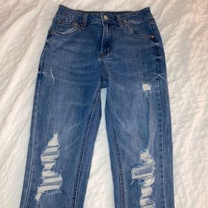 High rise mom jeans ripped